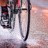 5 Cara Agar Tetap Fit di Musim Hujan