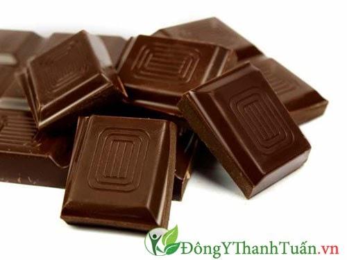 Không ăn socola khi chữa bệnh đau dạ dày