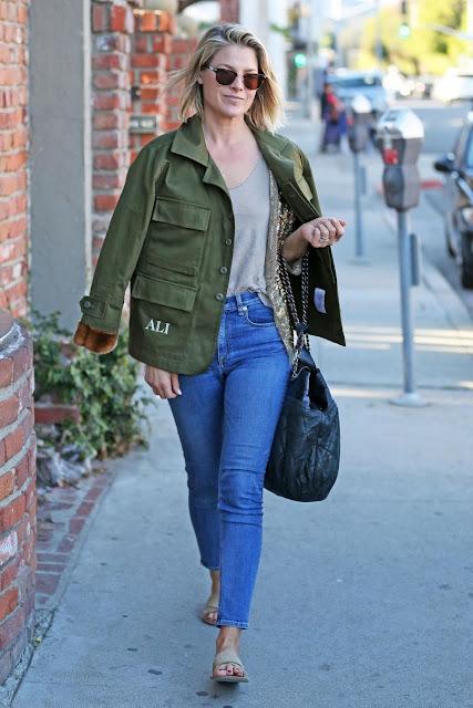 Ali Larter Photo in Denim Jeans
