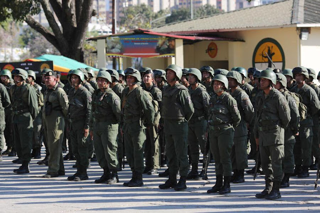 La intervención militar es improbable, advierten internacionalistas