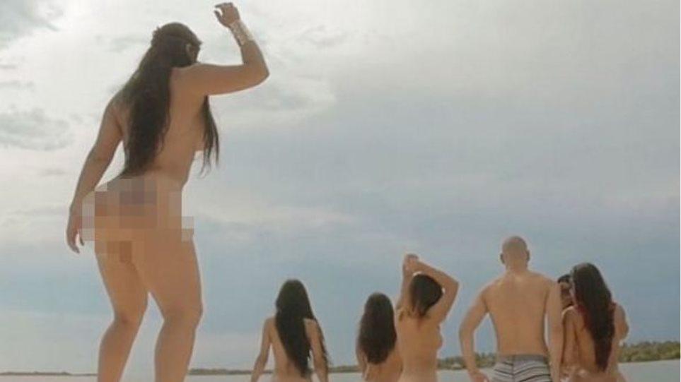 διασκέδαση λεσβιακό σεξ πολύ δημόσια πίπα