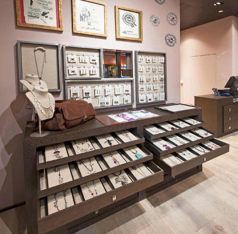 faac255b5c4 Comprando joias e bijuterias em shoppings e outlets em Miami