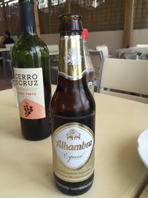 Almuerzos Populares regados con cerveza Alhambra especial