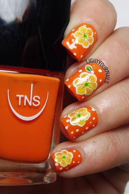 Nail art flowers fiori #nailart #TNScosmetics #lightyournails