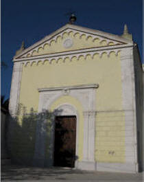 The church of Santa Maria dei Bianchi in Curcuraci was rebuilt by residents