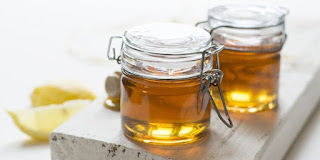 khasiat madu, manfaat madu, nutrisi dalam madu, madu banyak khasiat, madu untuk herbal, suplemen madu, obat pakai madu, madu untuk kesehatan, madu asli
