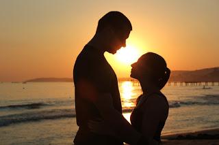 Körpersprache heimlich verliebter Männer