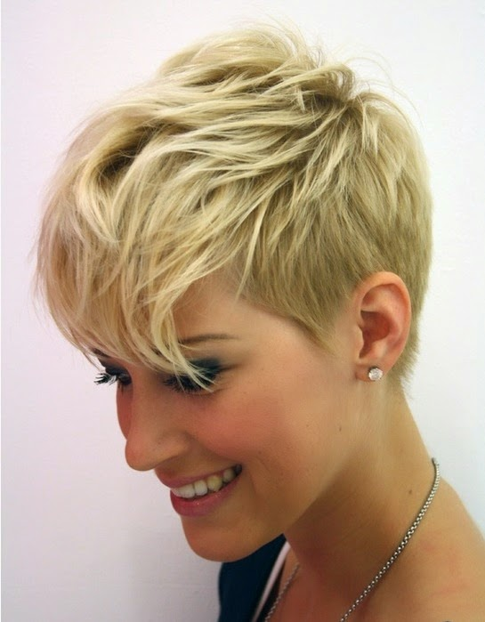 Moda Cabellos: Cortes de pelo corto con flequillo recto ...