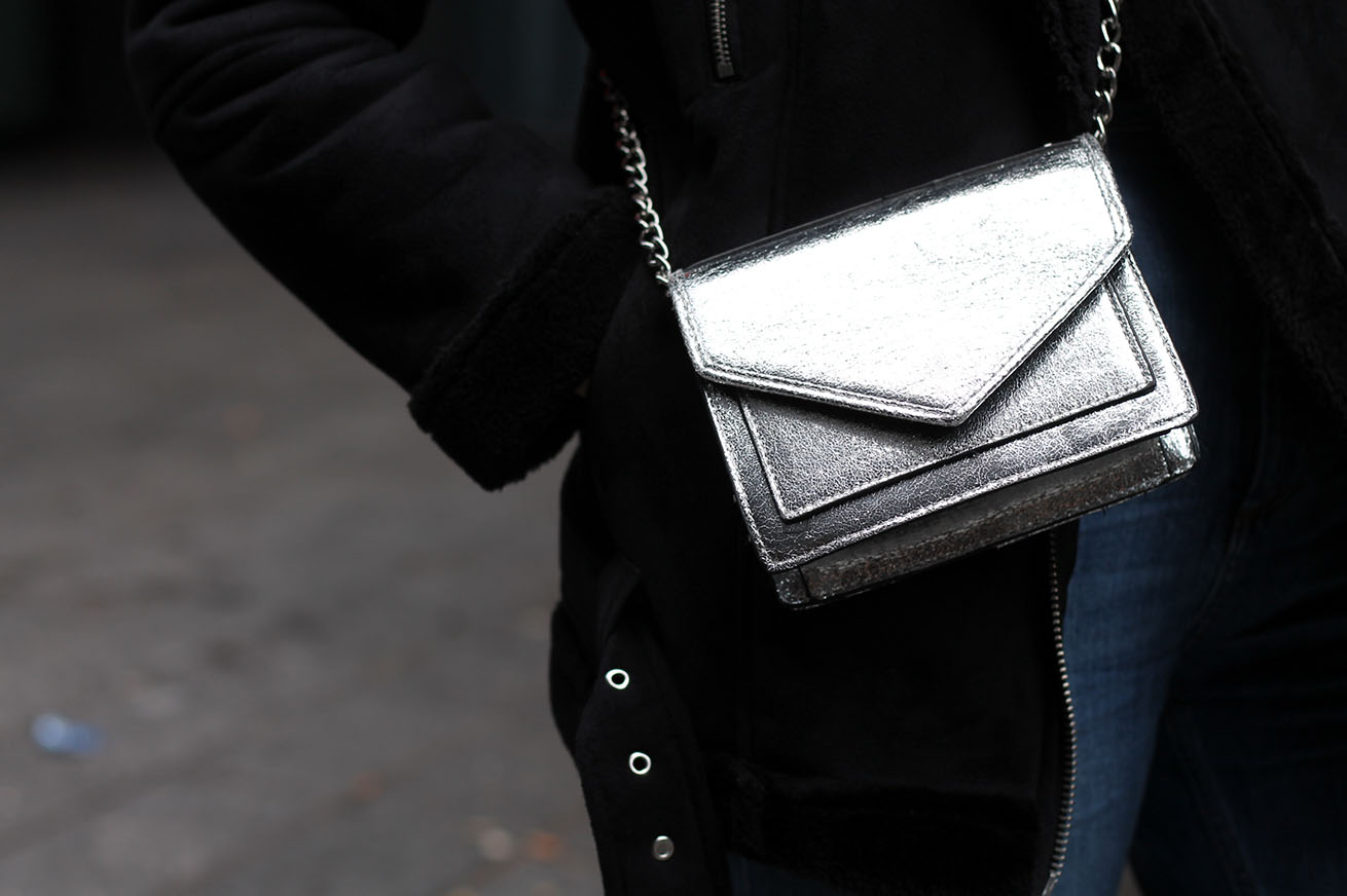 Pull and bear silver cross body bag, Liverpool fashion blogger