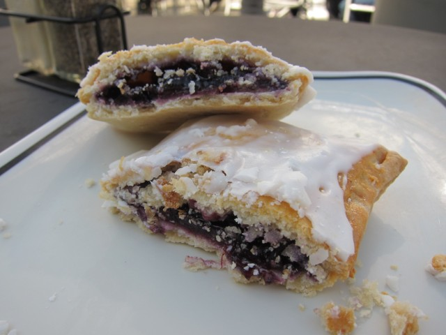 Review Corner Bakery Cafe Blueberry Hand Pie With Lemon Glaze