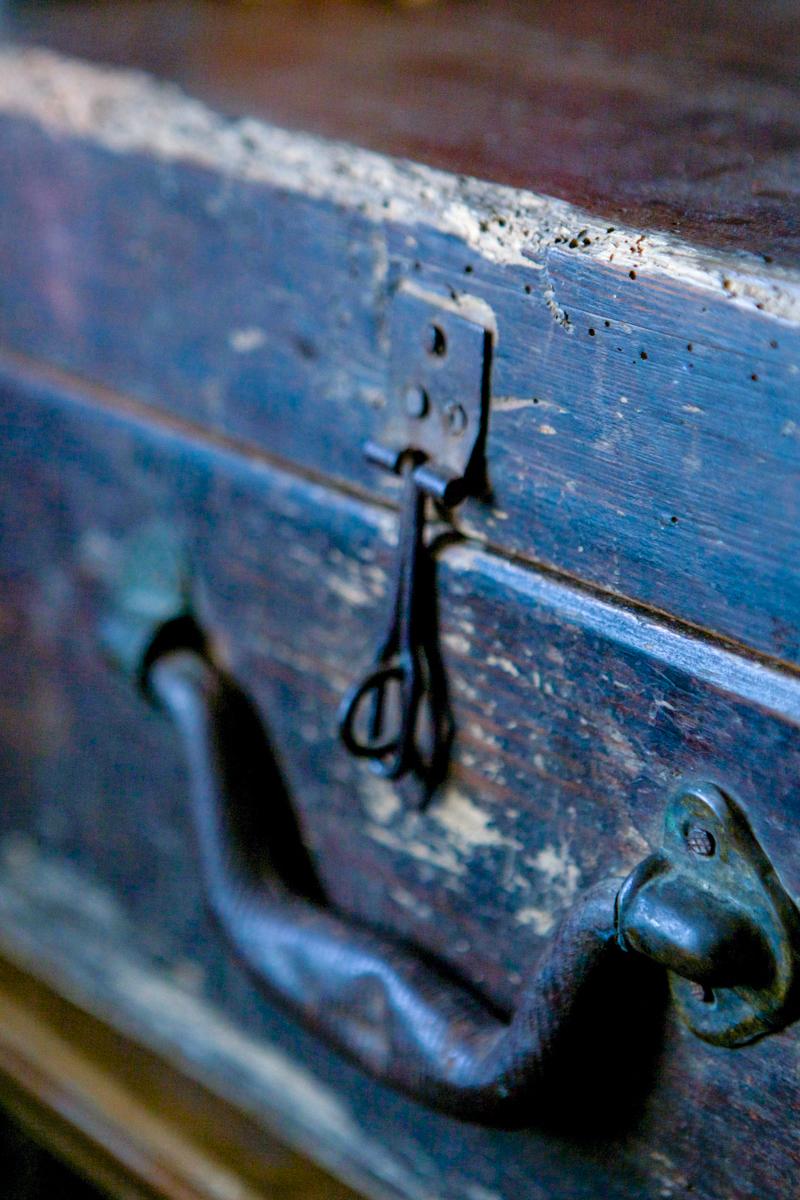 stara skrzynia, by RoomToLove