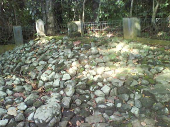 Makam Singaperbangsa di Kota Banjar