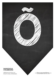Banderines con Fondo de Pizarra con el Alfabeto Completo. Blackboard Style Bunting with the whole Alphabet.