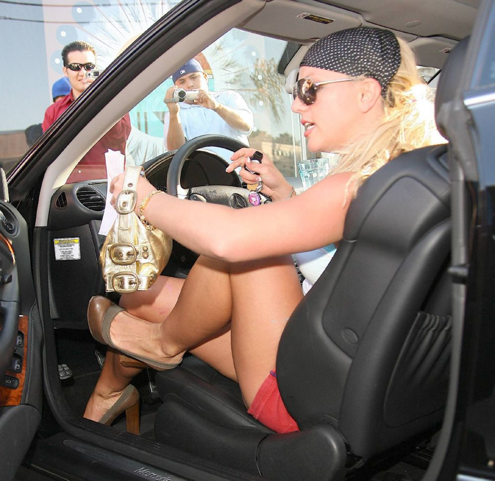 Britney spears upskirt paparazzi picture