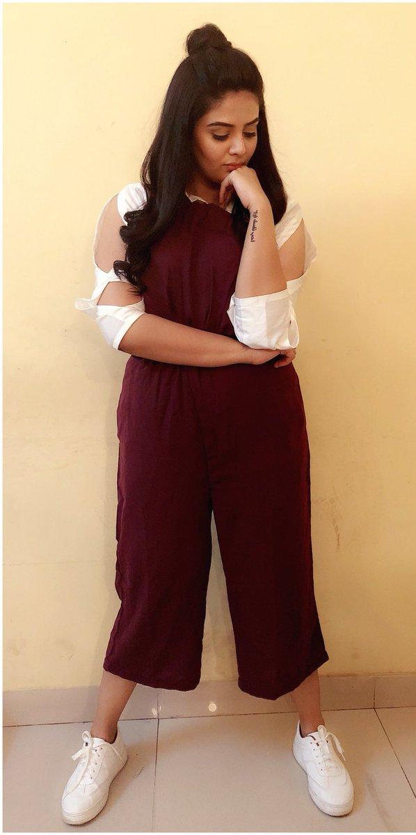 Indian TV Actress SreeMukhi Hot In Maroon Pant Shirt