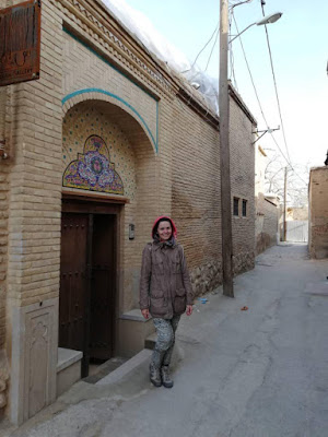 Strolling along the historical streets of Shiraz and get ready to see the treasure of city of roses and poets for free