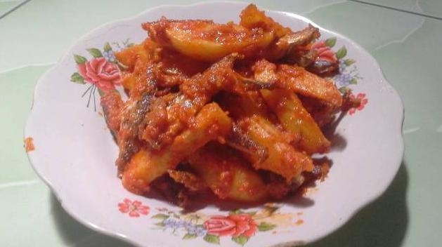 Resep masakan nusantara balado kentang ikan asin buat makan sederhan