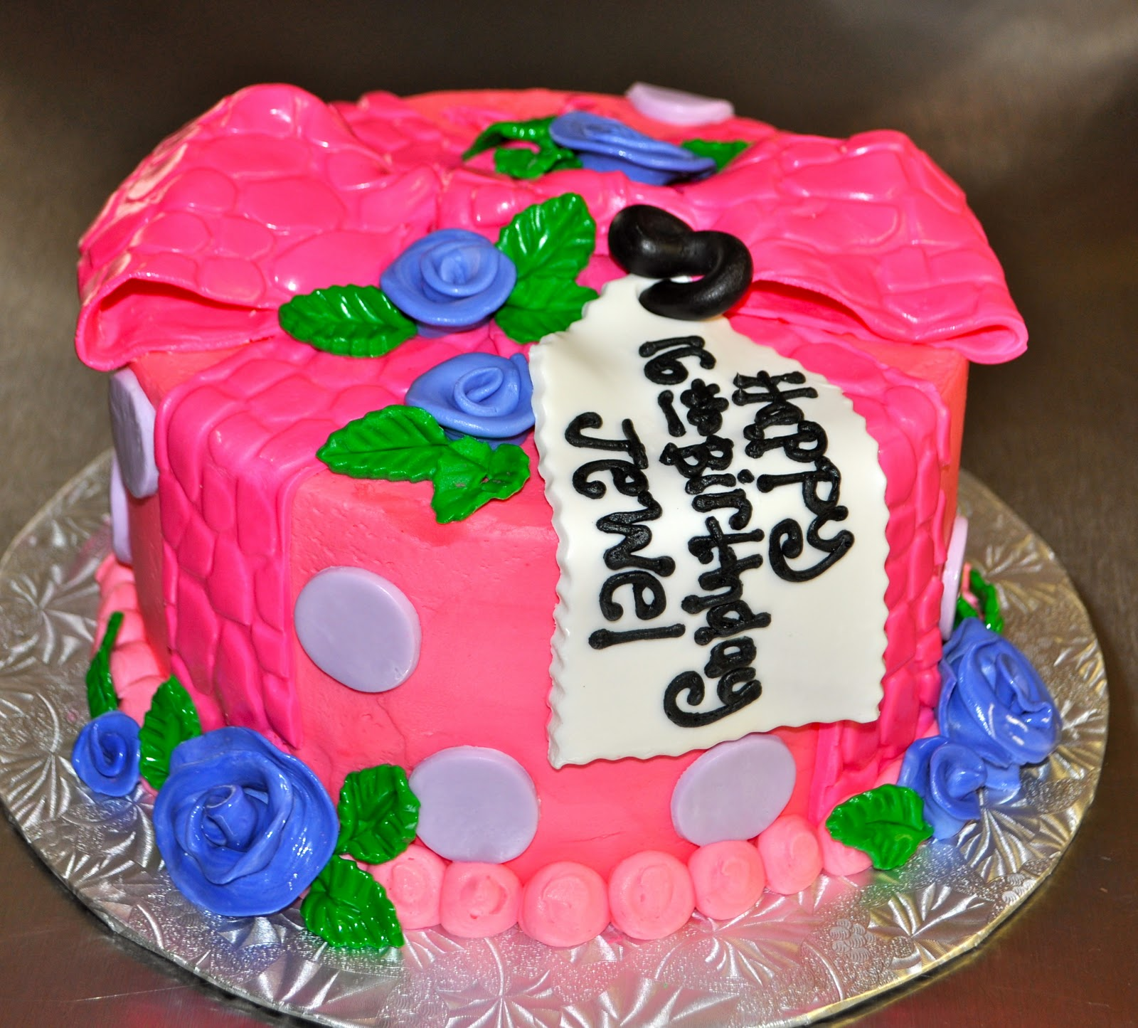 16th Birthday Treats: Leah's Sweet Treats: Pink Bow 16th Birthday Cake