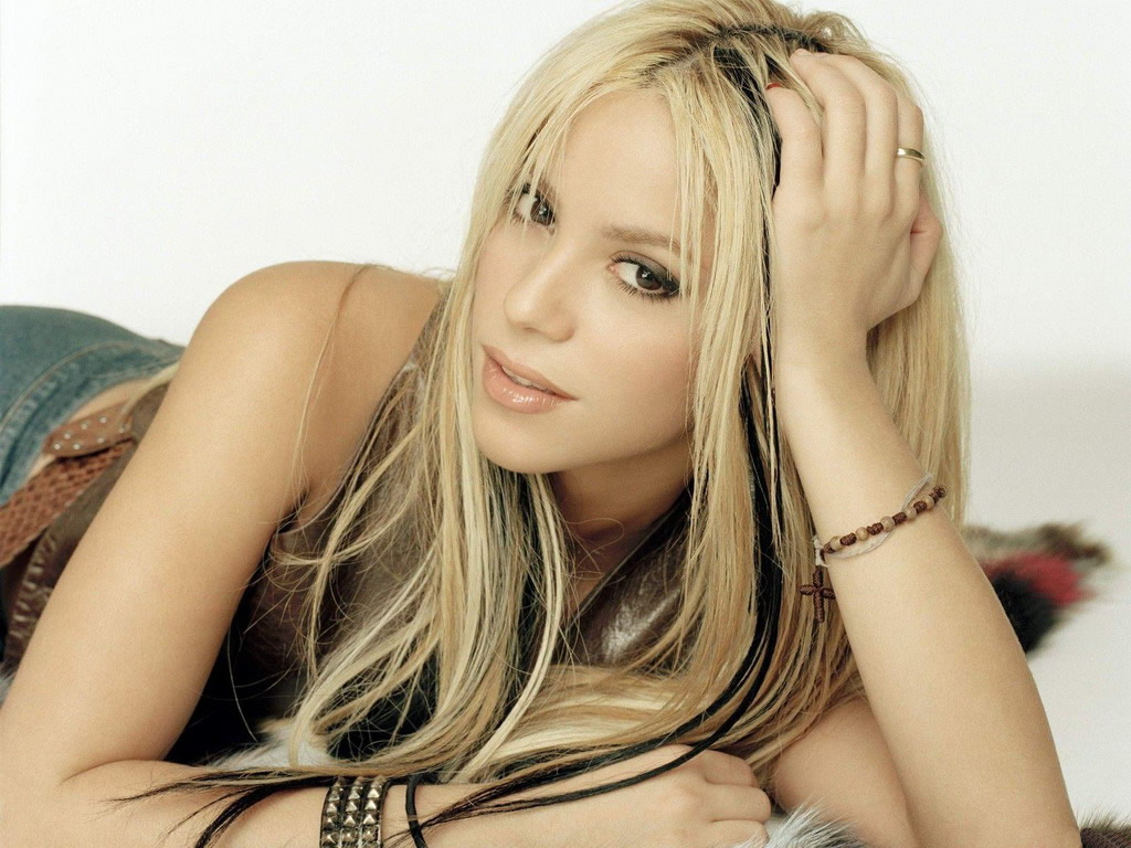 Nice Babe Face | Celebrity Wallpaper blog: Shakira ... Shakira