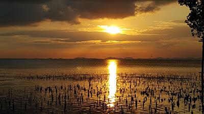 Sunset di Pantai Melayu Barelang