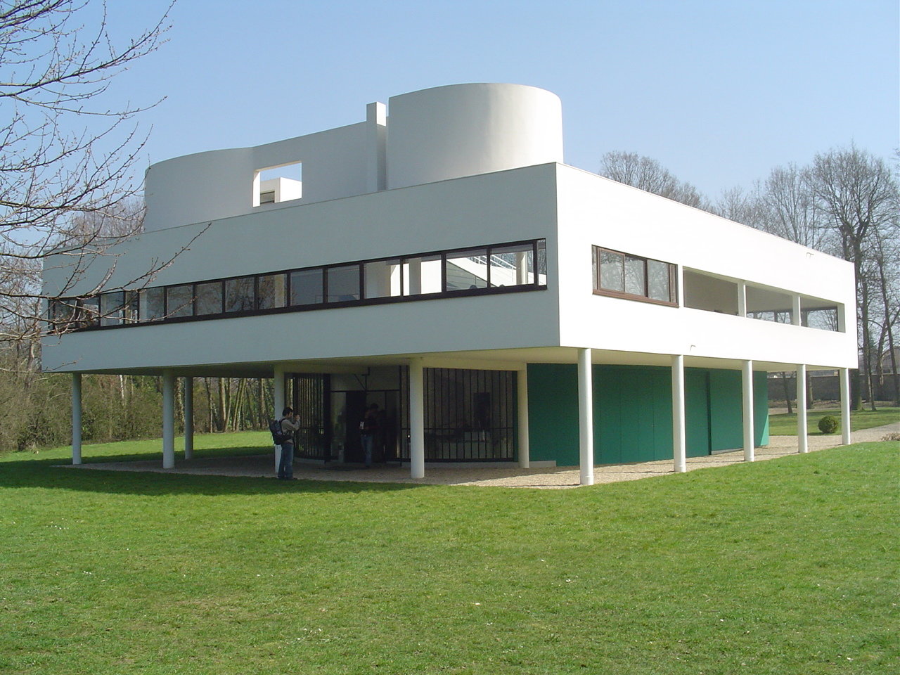 Legennings Architecture The Villa Savoye Le Corbusier