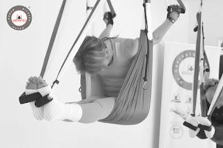 cursos-aeropilates-online-aero-pilates-aerial-air-aerien-columpio-swing-hamaca-trapeze-coach-coaching-instructor-escuelas-negocios-certificacion-madrid-espana-brasil-portugal-barcelona-lisboa-porto-coruna-vigo-oviedo-valencia-donosti-sevilla