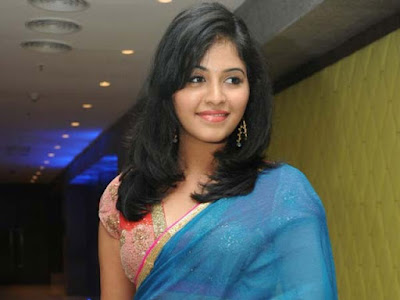 Heroin-Anjali-Responds-On-Her-Marriage-Andhra-Talkies