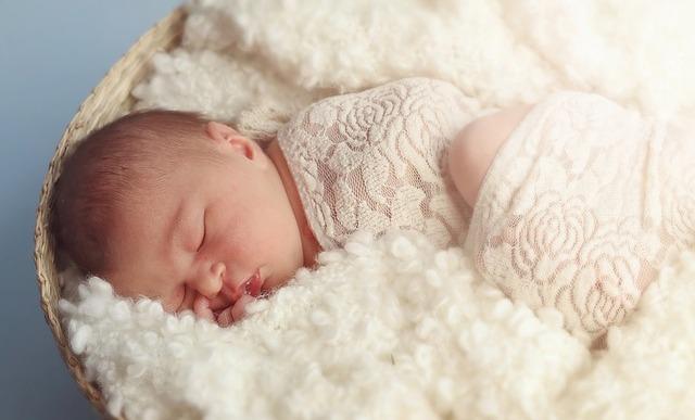 Penyebab Rambut Rontok Pada Bayi Dan Cara Mengatasinya