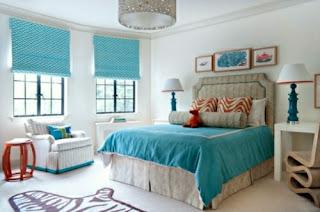 Dormitorio en blanco y turquesa