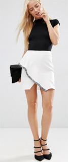 Minifalda con detalle de flecos para oficina 2017