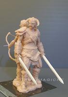 statuette fantasy action su richiesta eroe spade scultura orme magiche