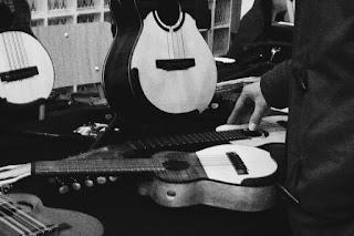 cuatros venezolanosANTILKO - instrumentos musicales de luthier Claudio Rojas