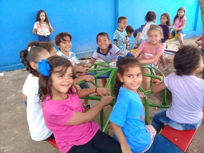 Escolas Municipais de Umbuzeiro recebem parquinhos