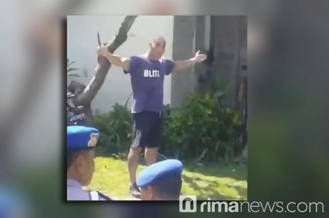 """Mengamuk di Bali Hingga Tusuk Polisi, Bule """"Gila"""" Prancis Tewas Didor Polisi."""