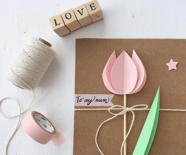 Un tulipano di carta per la festa della mamma