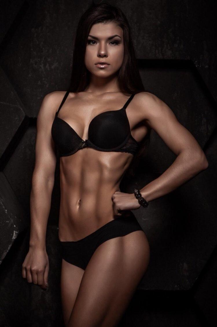 Bikini fitness Alexander Rebrova