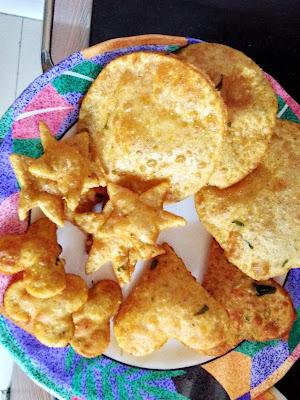 Puri prepared with Ragi flour and Jowar flour
