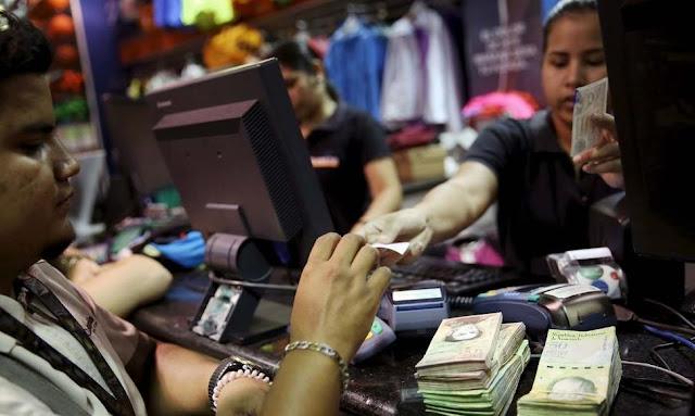 Salario mínimo no alcanzará ni para comprar los productos regulados del régimen