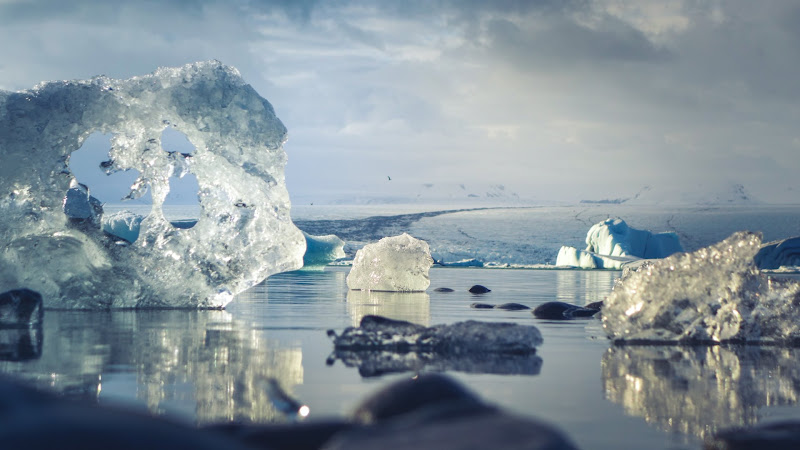 Ice melts in Iceland