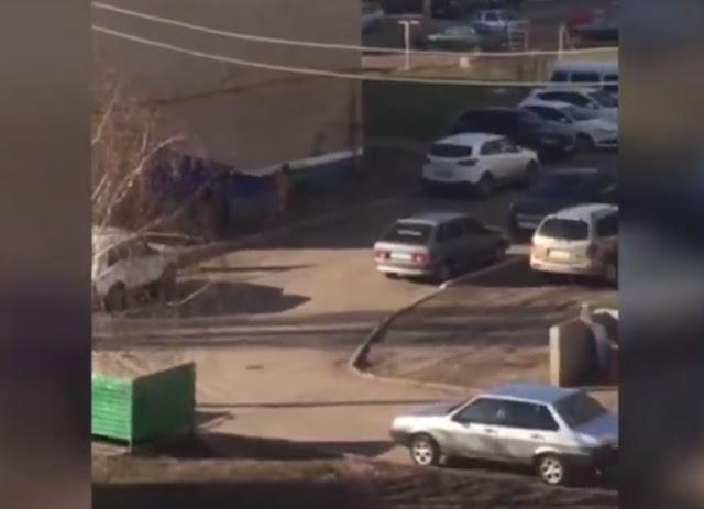 В Салавате по улице бегал голый раненый мужчина (Видео)