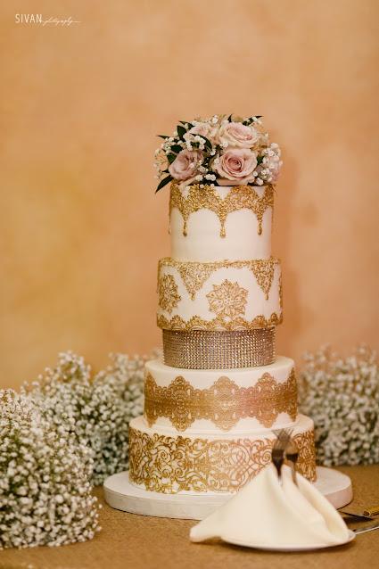 gold detailed wedding cake