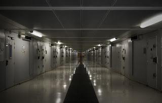 Prisons: Pourquoi est-ce si difficile d'enquêter sur la mort des détenus?