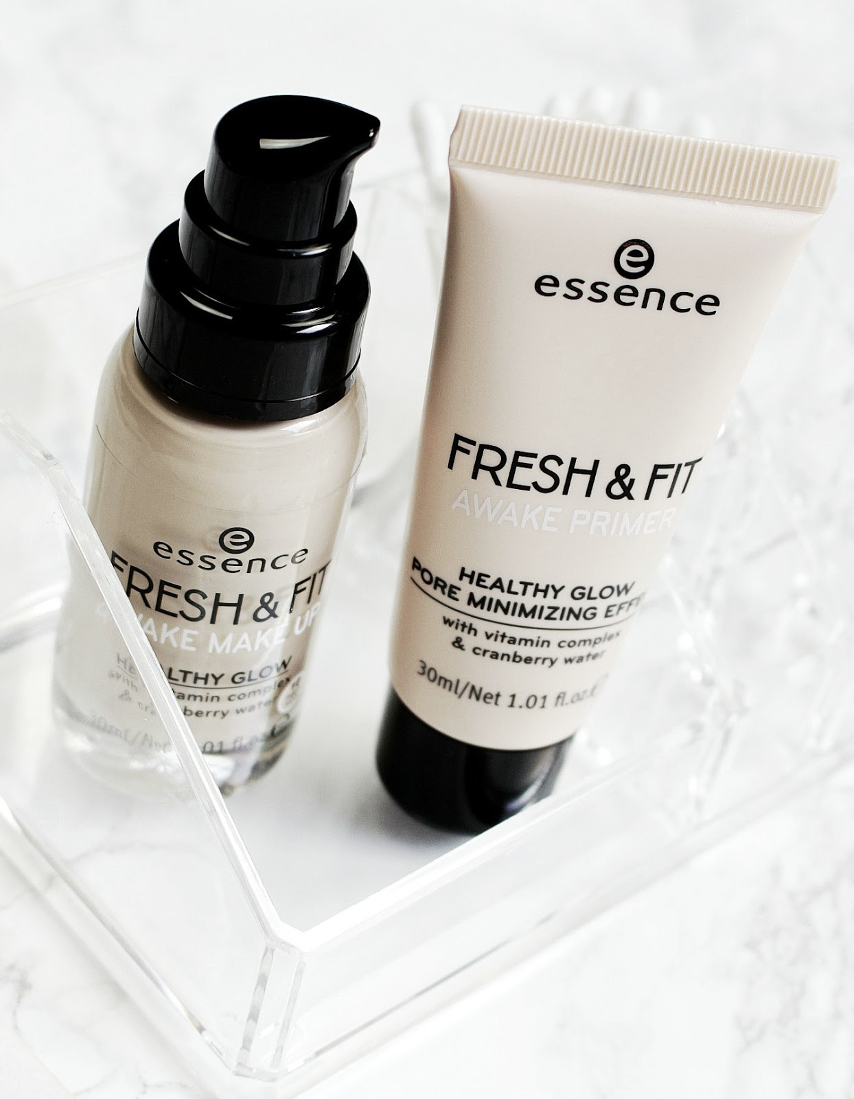 Essence Fresh & Fit Primer And Foundation