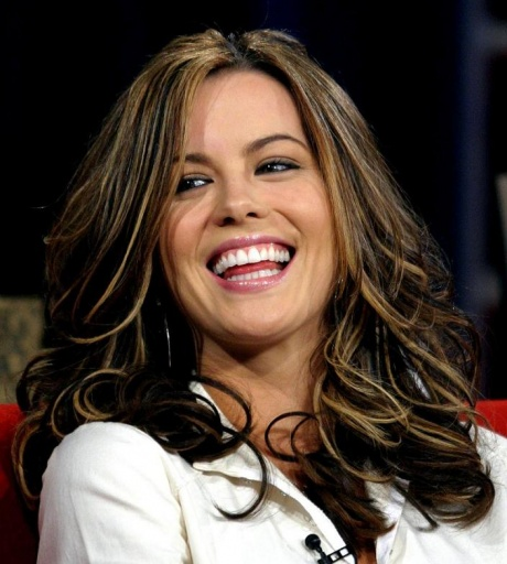 Kate Beckinsale Hairstyle With Swooping Waves - Celebrities Without Teeth