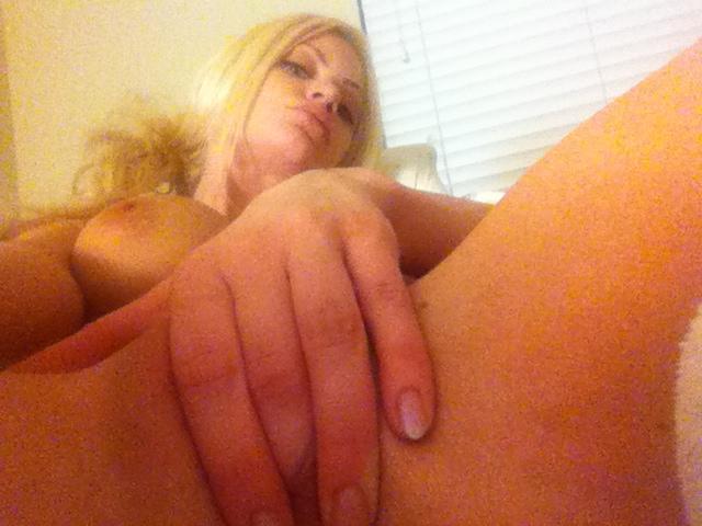 riley steele masturbating