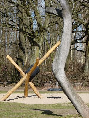 Holzspielplatz Hamburg, Schaukel