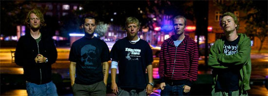 <center>Mighty Midgets premiere music video for 'Thoughts On Article 19'</center>