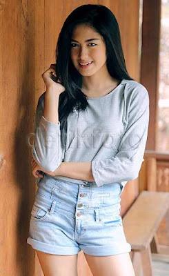 Biodata Ochi Rosdiana sebagai Zahra
