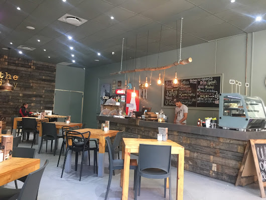 Review - The Daily Coffee Cafe Big Bay