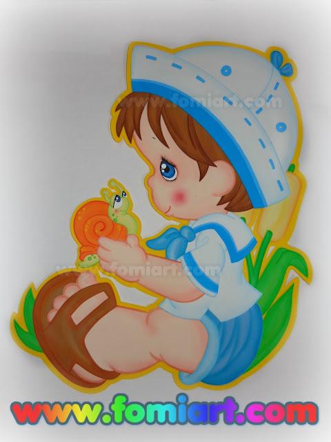 Niño Con Un Caracol